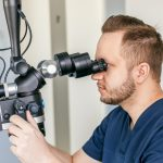 juureravi mikroskoobiga