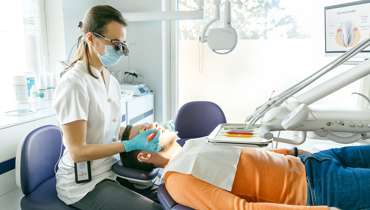 Пародонтит, Пародонтолог зубной клиники, пародонтология
